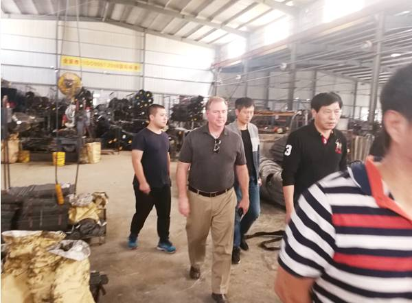 Foreign customers visit our factory
